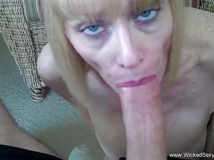 Sexy Dirty Talking Blowjob